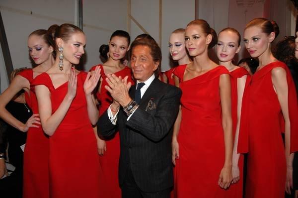 Rosso Valentino con Modelle alla sfialte