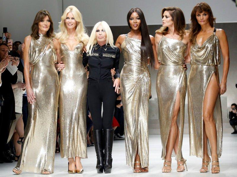 Claudia Schiffer e altre top model per Versace